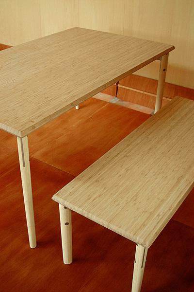 竹のテーブルセット